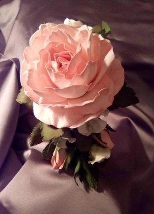 Ексклюзивний обруч для волосся з трояндою.