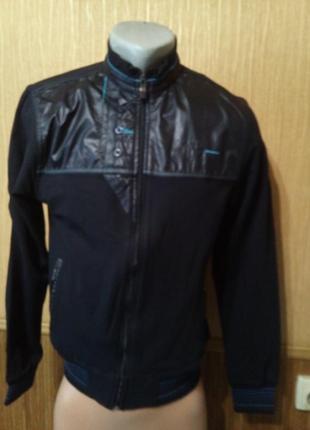 Фирменная спортивная курточка мастерка maraton
