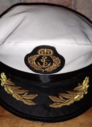 Капитанская фуражка