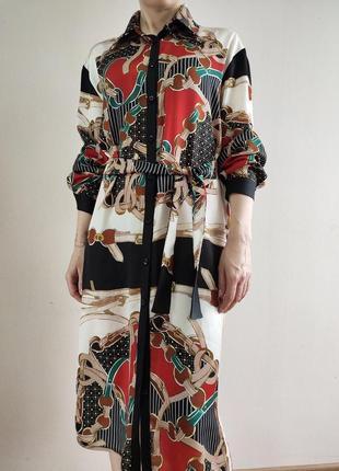 Крепдешиновое платье-рубашка, стильный принт