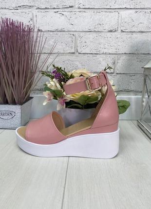 Босоножки, туфли на танкетке пудра с открытым носком натуральная замша или кожа
