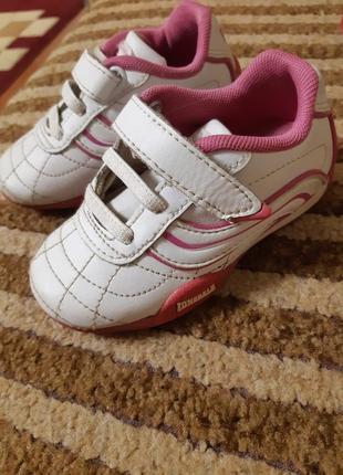 Шикарные кроссовки для девочки
