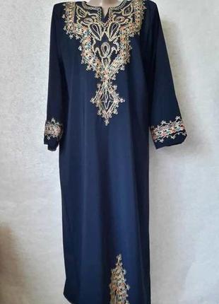 Новая синяя туника в пол с длинным рукавом и вышивкой в восточном стиле, размер 3хл