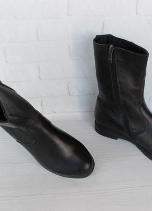Демисезонные кожаные ботильоны, ботинки, полусапожки 38 размера на устойчивом каблуке