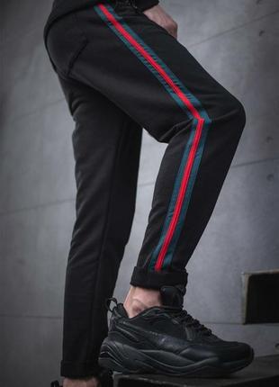 Стильные штанишки с лампасами