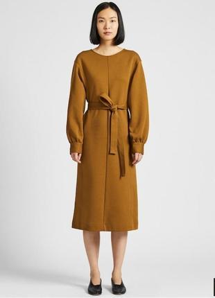 Платье с объемными рукавами от uniqlo
