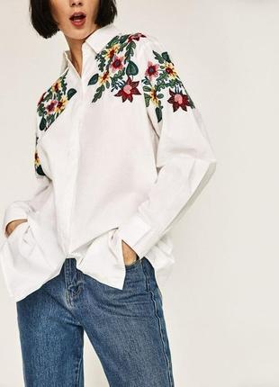 Белоснежная хлопковая рубашечка с вышивкой