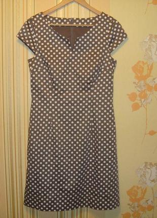 Очаровательное платье-футляр в горошек (болгария)