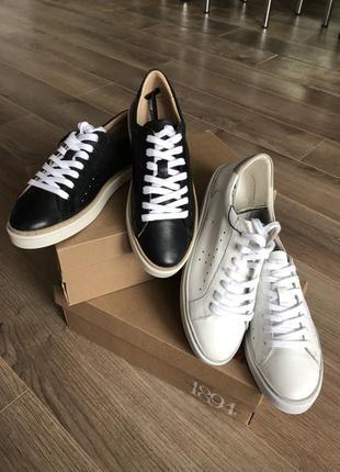 Новые кожаные кеды/кроссовки bata 35,36,37,38 размер