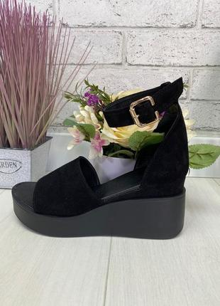 Босоножки, туфли на танкетке черные с открытым носком натуральная замша или кожа