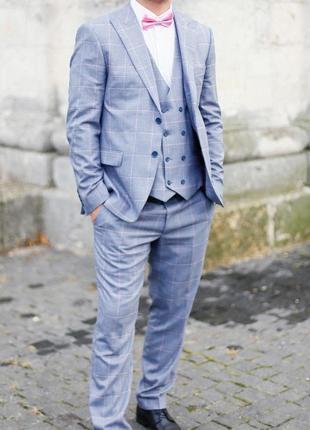 Мужской костюм (тройка)