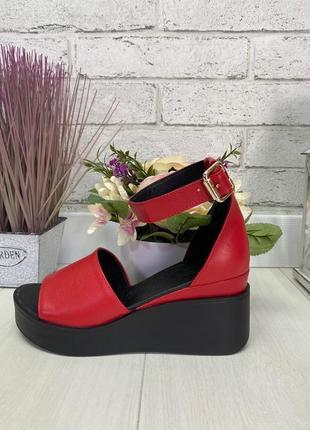 Босоножки, туфли на танкетке красные с открытым носком натуральная замша или кожа