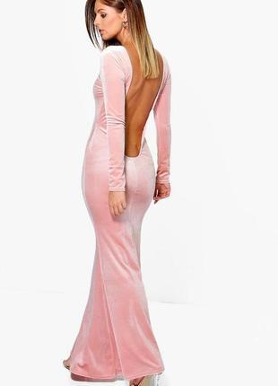 Прелестное вечернее бархатное персиковое платье макси с открытой спиной boohoo
