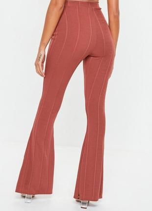 Облегающие бандажные брюки с расклешенным низом высокая талия эффект утяжки missguided