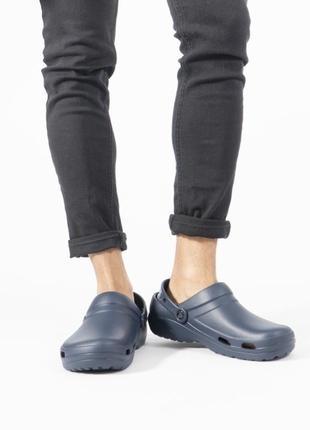 Синие сабо для работы crocs specialist ii vent clog