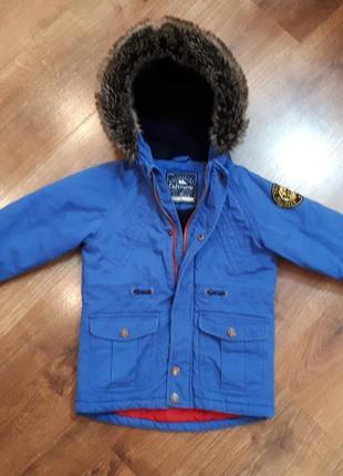 Детская курточка парка на 3-4 годика.