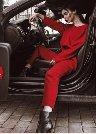 Шикарный красный костюм