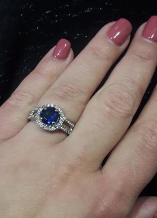 Стильное кольцо с синим цирконием 19 р.р