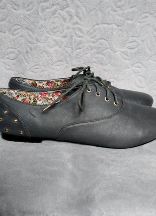 Ботинки женские на шнурках ботінки жіночі на каблуках