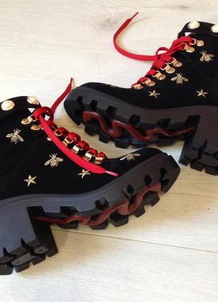 Стильные ботинки/женские черные ботинки/тракторная подошва/женские черные ботинки