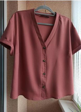 Красивая стильная однотонная блуза на пуговицах