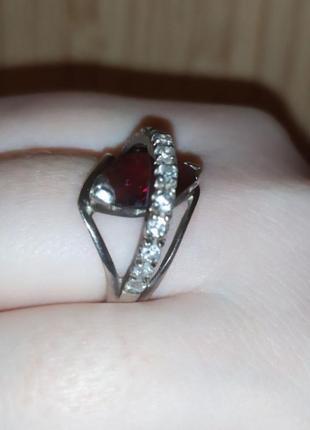 Шикарное кольцо сердолик фианит