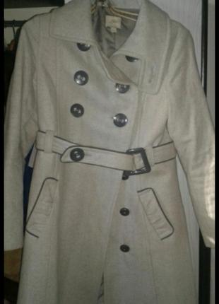Продам пальто серое. модное.