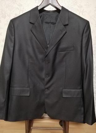 Чёрный мужской костюм, классический брючный костюм