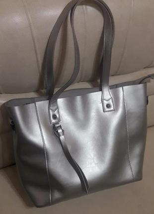 Стильная сумка. натуральная кожа.