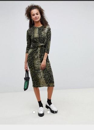 Крутое платье миди bershka