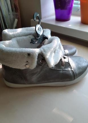 Новые стильные ботиночки кеды р-р 41(26.5см)-деми.распродажа!!!