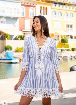 Трендовое летнее платье цвета деним в полоску с кружевом код 2105
