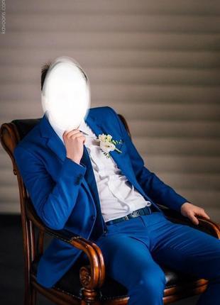 Alan verman свадебный костюм благородного синего цвета.