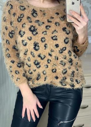 Красивая леопардовая кофта пушистая