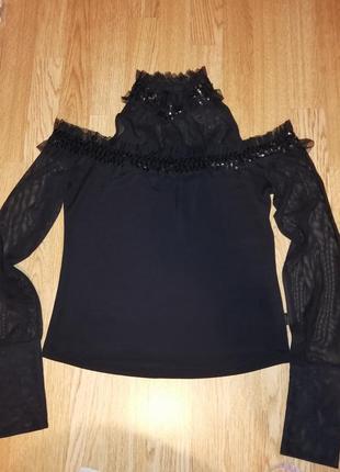 Нарядная кофта блузка с прозрачным паетками рюшами открытими плечами