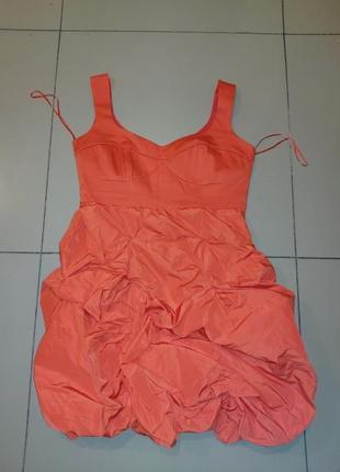 Нарядное экстравагантное морковное платье