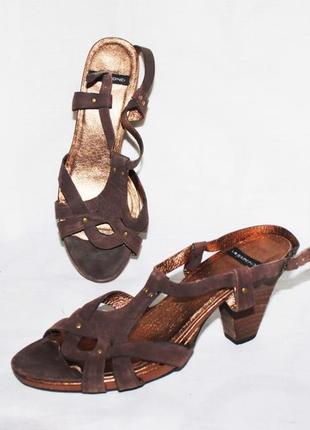 Босоножки 100% кожа нубук коричневый устойчивый каблук vagabond