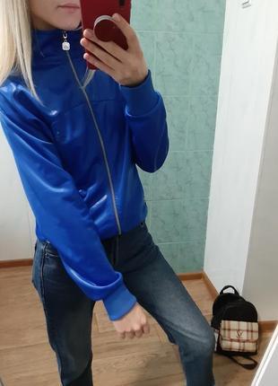 Спортивная куртка, ветровка adidas оригинал!