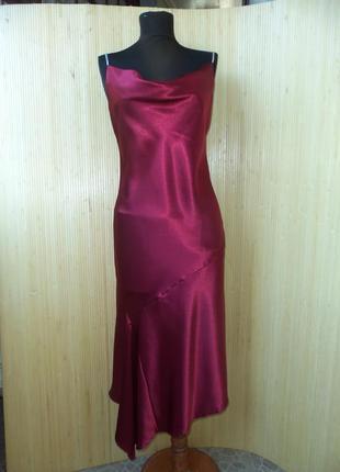Вечернее атласное  платье с бретелями цепочками yessica