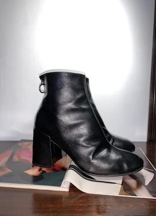 Чёрные ботинки primark с кольцом на молнии актуальная модель