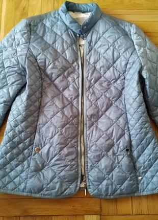 Небесно голубая куртка облегченная