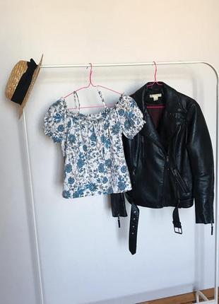 Качественная красивая футболка с объемными рукавами и в цветы от h&m. р-р s