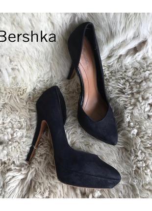 Черные туфли лодочки на высоком каблуке bershka размер 38 размер, 24,5-25см.