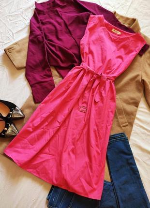 Розовое яркое платье фуксия с поясом миди плащевка