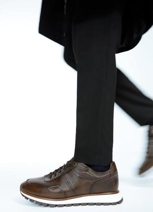 Супер презентабельные спортивные кроссовки зара, разм. 43. идеал