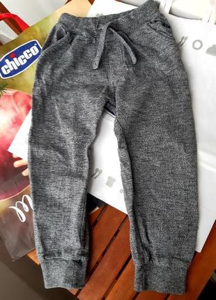 Next, спортивные теплые штаны, петельки. 4-5-6 лет, 104-110 см