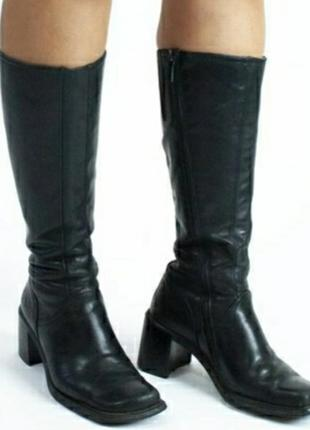Винтажные чёрные кожаные сапоги