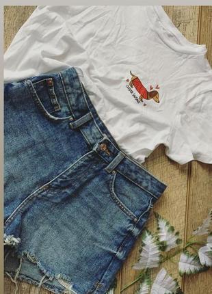Джинсовые шорты, футболка