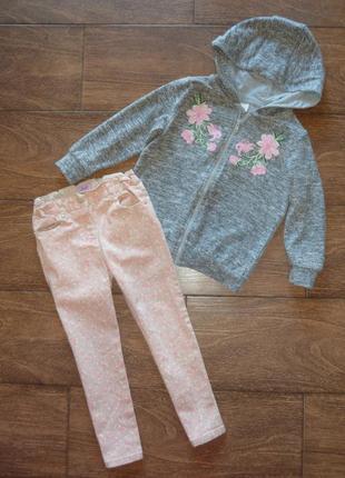 Набор f&f кофта на молнии с капюшоном , джинсы с цветочным рисунком