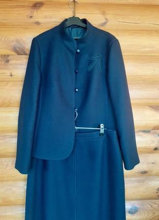 Шикарный шерстяной  костюм delmod размер- eur-42
